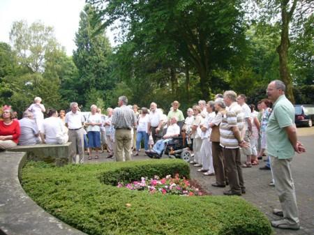 Fuehrung-auf-dem-Friedhofsg