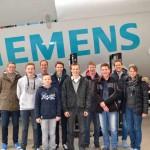 Gewinner des Power Matrix-Wettbewerbs besuchen Siemens Wind Center