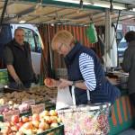 Der Bürener Wochenmarkt blüht auf