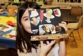 Marta Herford _Kinderkunstwerkstatt_Teilnehmerin mit Exponat