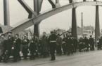 Flüchtlinge auf der Weserbrücke KAM