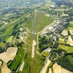 Bustour über das Flugplatzgelände