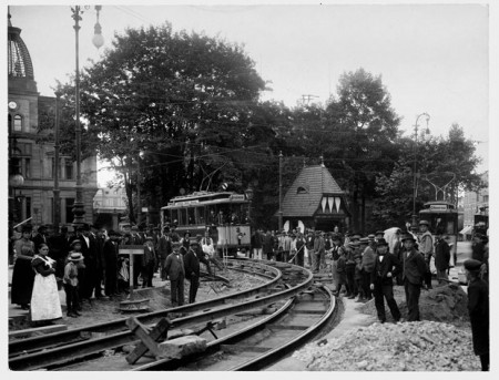 Straßenbahnbau- Jahnplatz