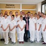 Schüler leiten eine Krankenstation