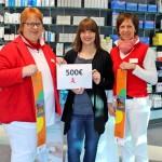 Schloss-Apotheke spendet 500 Euro an städtisches Jugendzentrum