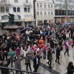 """One Billion Rising"" auf dem Detmolder Marktplatz"
