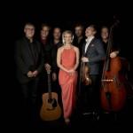 Zwei der am meisten gefeierten Musiker Dänemarks und ihre großartige Band auf Nordic Christmas Tour