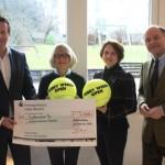 Turnierdirektor Ralf Weber übergibt Scheck • 5.000 Euro-Spende an Kinderschutzbund