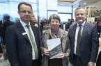 schueco_Andreas_Engelhardt_Walter_Stadlbauer_Bundesbauministerin_Hendricks_download (1)