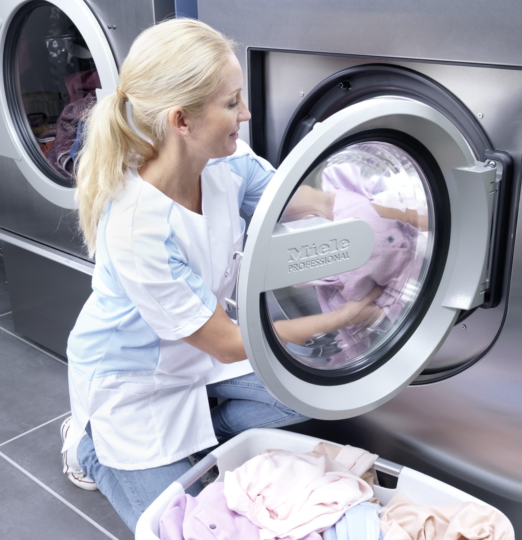 komfortabel und sparsam die neuen waschmaschinen von. Black Bedroom Furniture Sets. Home Design Ideas