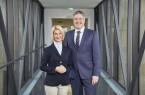 Brigitte Mohn (Vorstand der Bertelsmann Stiftung) und Henning Schulz (Bürgermeister der Stadt Gütersloh)