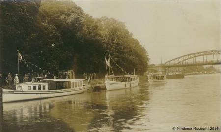 Fahrgastschiffe auf der Weser.Foto: Museum Minden