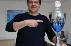 Ausgezeichnet: Uli Kussin, Leiter des Hochschulsports der Universität Paderborn, freut sich über den ersten Platz. Foto: Heiko Appelbaum