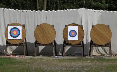 Die neuen Scheiben der Horn-Bad Meinberger Bogenschützen warten auf zahlreiche Pfeiltreffer (Foto: Martina Berg)