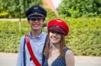 Spaß bei der Arbeit -  Zugführer Raphael Kahlert und Zugbegleiterin Inga Nolting sorgen während der Fahrt für gute Unterhaltung und Bewirtung der Fahrgäste