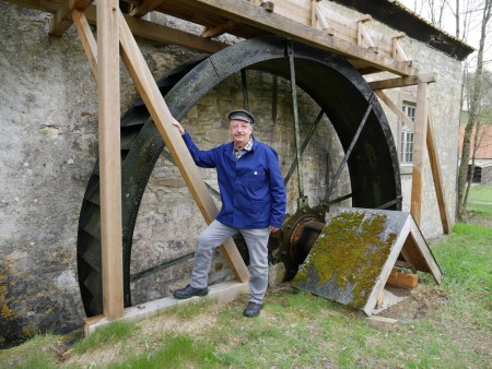Lebendiges Handwerk: Burkhard Jüstel nimmt die Dalheimer Klostermühle in Betrieb.