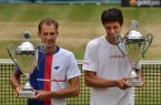Das polnisch-brasilianische Duo Lukasz Kubot (links) und Marcelo Melo gewinnt den Doppelwettbewerb bei den 25. GERRY WEBER OPEN. © GERRY WEBER OPEN (HalleWestfalen)