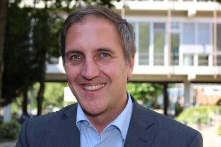 Prof. Dr. Timm Albers von der Universität Paderborn leitet die Studie zum Bundesprogramm Kita-Einstieg.