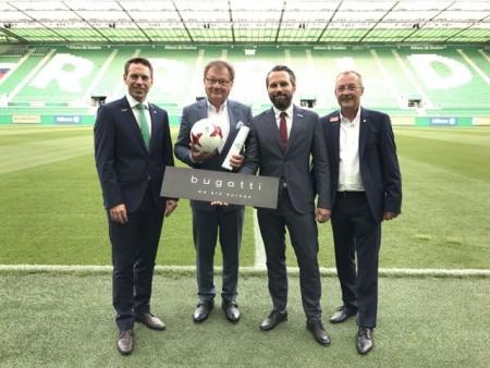 Bild von links nach rechts: Christoph Peschek (Geschäftsführer Wirtschaft SK Rapid), Victor Wagner (Firma Wagner & Glass), Niko Fasthuber (bugatti Österreich), Fredy Bickel (Geschäftsführer Sport SK Rapid) Foto: SK Rapid