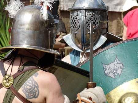 2-Gladiatoren-im-Kampf-