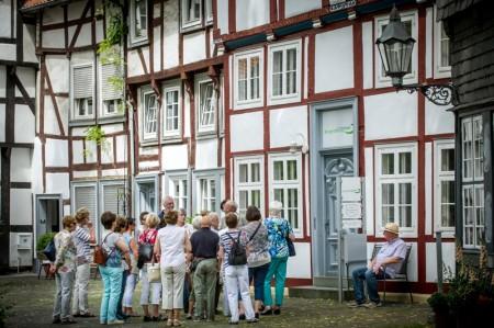 Der Klassische Stadtrundgang führt u.a. zum Alten Kirchplatz. Foto: Detlef Güthenke