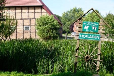 Der Steinbecker Hofladen mit Hofcape legt Wert auf regionale Produkte.
