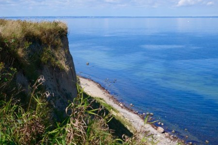 Die imposante Steilküste bei Großklützhöved ist zu allen Jahreszeiten einen Ausblick wert.