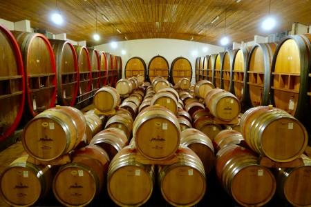 Jedes Fass gibt dem Wein ein individuelles Aroma. Foto: Klaus Ottenberg