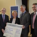 Bertelsmann spendet an Gütersloher Schulbibliotheken