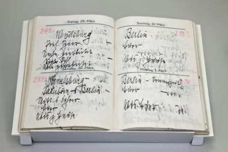 """""""Wewelsburg – Paderborn – Berlin"""": Auszug aus Heinrich Himmlers privatem Taschenkalender für das Jahr 1940. Mindestens 25 Mal besuchte er die Wewelsburg (Foto: Kreismuseum Wewelsburg)"""