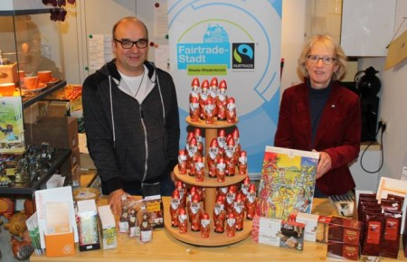 Die Steuerungsgruppe Fairtrade-Stadt empfiehlt, zu Weihnachten fair gehandelte Schokolade zu kaufen.