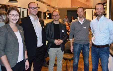 Service und Beratungsqualität als Erfolgsfaktor (v.l.): Anna Niehaus (pro Wirtschaft GT), Nils Wend und Karl B. Bock (RUNA REISEN), Andre Kokemper und Jan Quermann (Quermann & Kokemper Schadenmanagement).