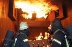 Einsatzübung in der Brandsimulationsanlage (Foto: Rolf Meier, Kreis Paderborn)