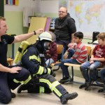 Feuerwehr besucht Offene Ganztagsschule in Lügde