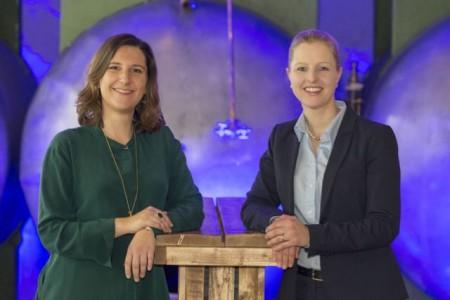 Alexandra Altmann und Daniela Drabert sind die neuen Vorstandssprecherinnen der Wirtschaftsjunioren Ostwestfalen. - Foto: www.maltestock.com