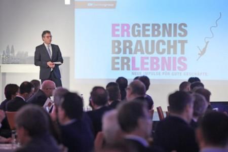 Auf dem Programm standen Vorträge namhafter Referenten und des EK Vorstands inklusive umsetzbarer Expertentipps und spannende Erfahrungsberichte erfolgreicher EK Handelspartner.