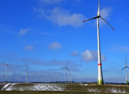 Windparkanlage im Kreis PB: Hier stehen aktuell ca. 450 Windenergieanlagen, die von einer Vielzahl von verschiedenen Gesellschaften betrieben werden. Foto: Julia Negri, SICP
