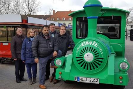 Alfred Dalpke, Stefanie Dettmer, Emil-Fahrer Aimal Atmar, Geschäftsführer der Staatsbad GmbH Peter Adler und Minna-Fahrer Jörg Gropp (v.l.).