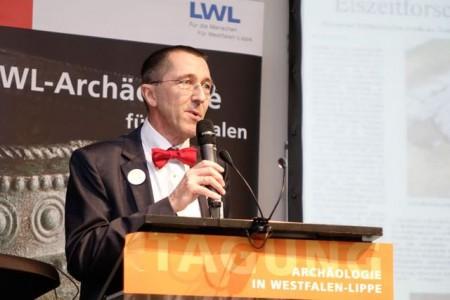 Prof. Dr. Michael Rind, Direktor der LWL-Archäologie, hält eine Rückschau auf archäologische Entdeckungen des vergangenen Jahres. Foto: LWL/S. Brentführer