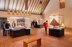 Neben liturgischen Geräten, Messgewändern und Modellen können auch Gemälde und Altäre wieder von den Besuchern in Augenschein genommen werden. Foto: © LWL/Ansgar Hoffmann