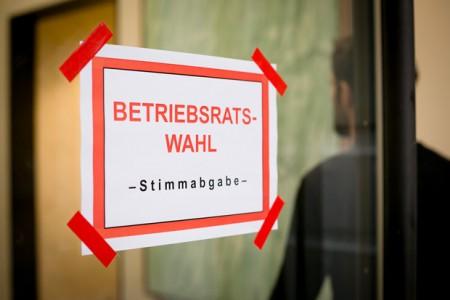 Seit diesem Monat können Beschäftigte in der Region ihre Betriebsräte wählen. Die NGG Bielefeld-Herford warnt jedoch: Arbeitgeber, die die Wahl behindern, riskieren eine Haftstrafe. © Tobias Seifert/NGG