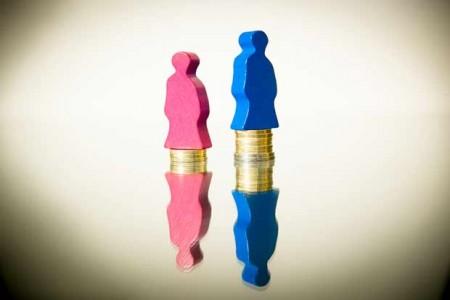 Ein Job, zwei Löhne: Noch immer ist die Bezahlung zwischen Männern und Frauen unterschiedlich hoch. Darauf weist die Gewerkschaft NGG zum Internationalen Frauentag hin – und fordert mehr Anstrengungen für die Gleichberechtigung im Job. © Tobias Seifert/NGG