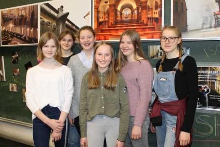 Teilnehmerinnen eines der Foto-Workshops: Enya Finke, Karina Klappenbach, Milena Berning, Marina Bauer, Edda Klüthe und Merle Schröder (v.l.).