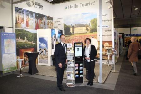 Sascha Wömpener vom Deutschen Automatenmuseum und Marlene Gerber, Geschäftsführerin des Magazin Hallo Tourist.