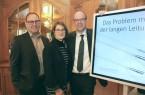 Die Weichen werden jetzt gestellt für die Zukunft der Stromlieferung: (v.l.) Wirtschaftsförderer Rainer Venhaus, Stadtbaurätin Nina Herrling und Referent Fritz Husemann beim Unternehmerfrühstück.