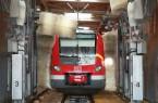Waschanlage von DB Regio NRW mit Zug ET 422 bei der Reinigung.Foto;DB