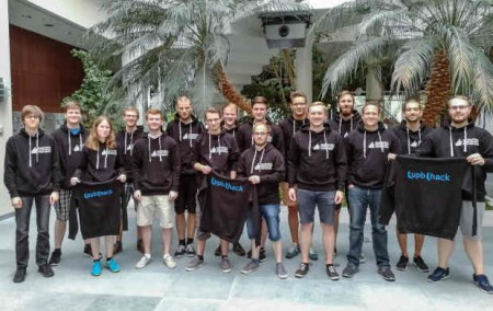 """35 Studierende bilden momentan das Team """"/upb/hack"""". Sowohl Studierende als auch Mitarbeiter der Universität können sich der Gruppe anschließen. © Universität Paderborn"""
