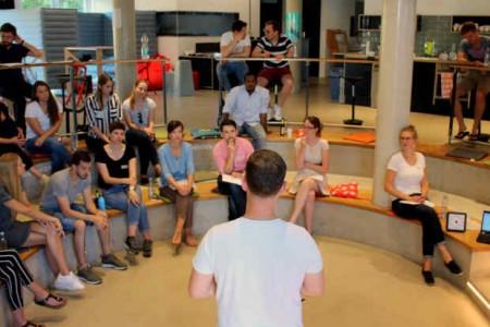 Bei der Abschlusspräsentation stellten die Teams ihre entwickelten Ideen und Geschäftsmodelle vor.