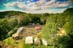 Das Gelände rund um die mächtigen Festungsmauern des Bielefelder Wahrzeichens wird zum Sparrenburgfest in vier Bereiche eingeteilt: Bauernlager, höfisches Viertel, Orient und Quartier der Ritter. © Bielefeld Marketing / Sarah Jonek