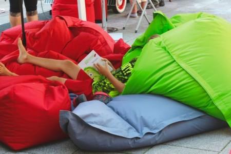 StadtLesen – begeistert StadtLesen zieht 2018 den zehnten Sommer durch europäische Städte und feiert seine zehnjährige JubiläumsLiteraTour.